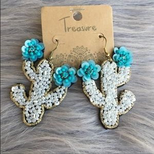 Jewelry - Cute seed bead cactus earrings